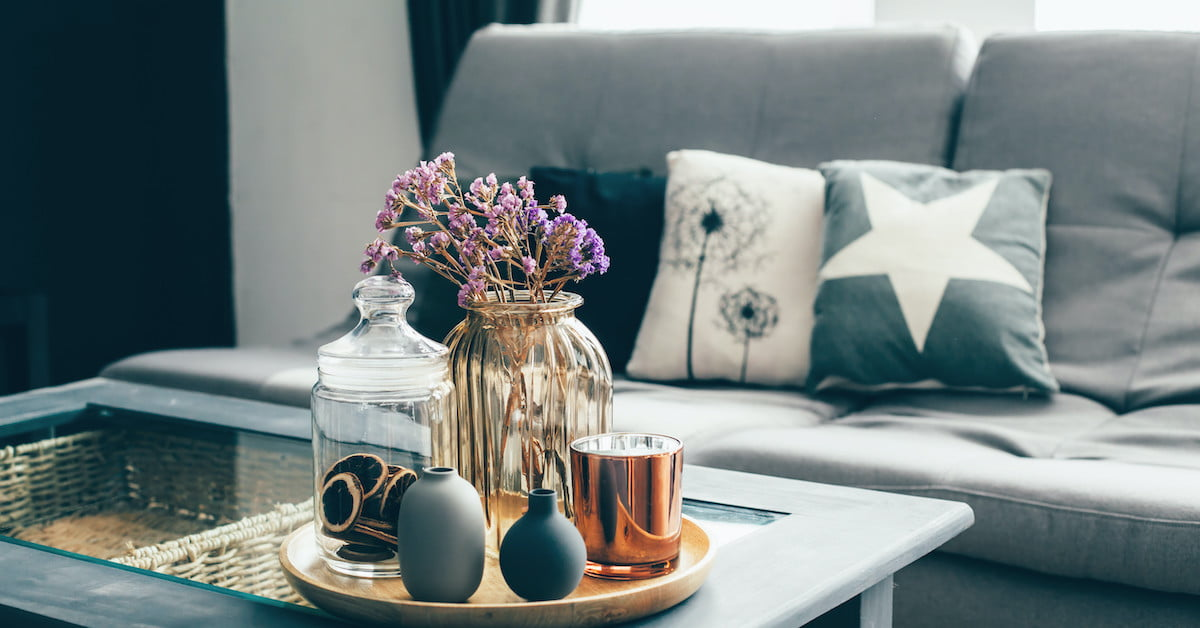 How to use decorative accents to style a coffee table - 21Oak