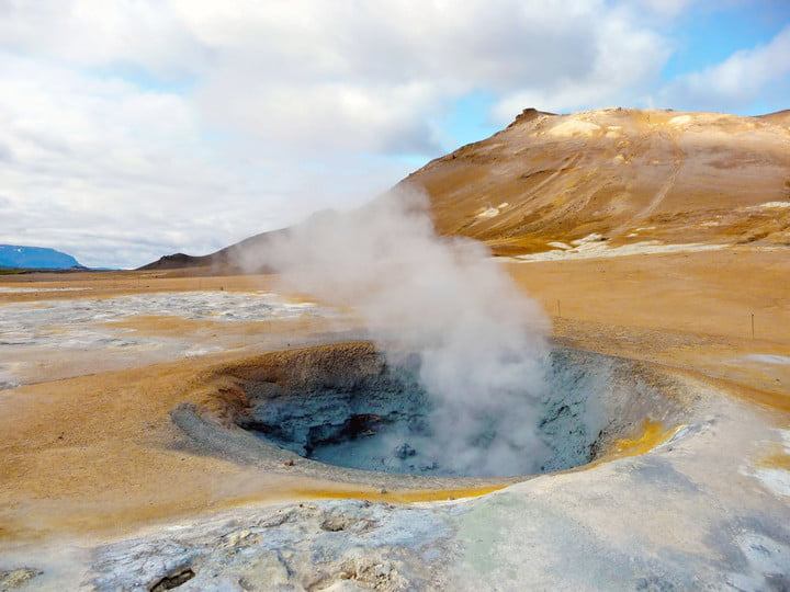 iceland geothermal energy 11317982  active fumarole in summer time