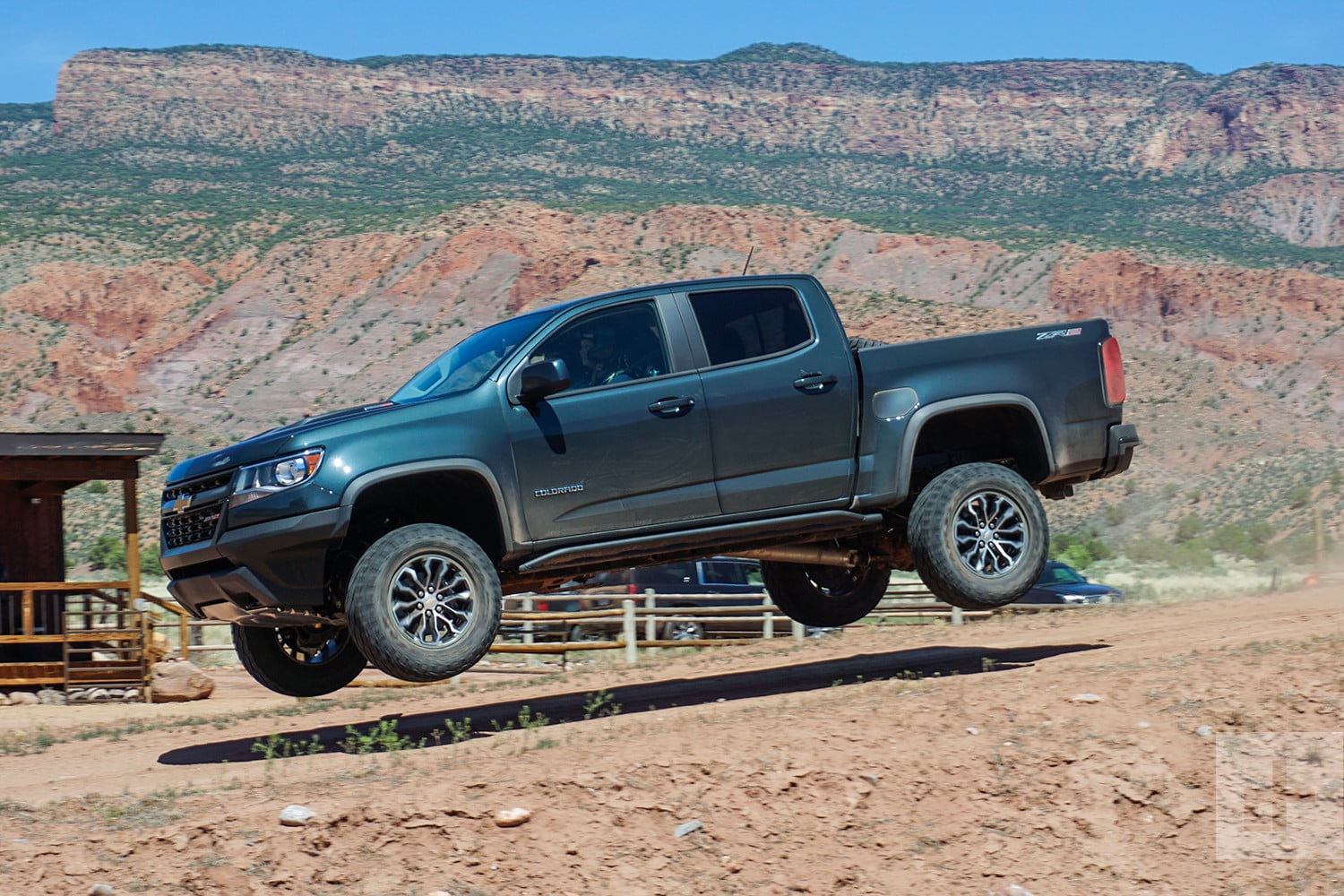 2017 Chevrolet Colorado Zr2 Offers Off Road Capability And Street Manners Digital Trends
