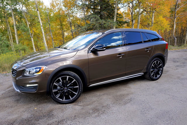2017 volvo v60 cross country first drive front angle