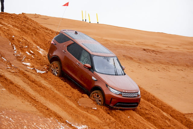 2017 land rover discovery first drive landrover review 000118