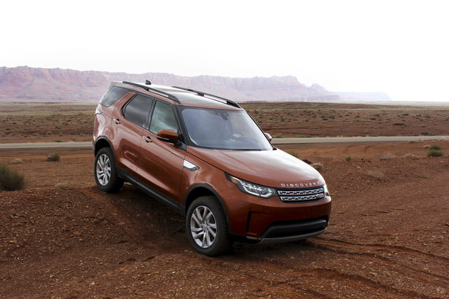 2017 land rover discovery first drive landrover review 000119