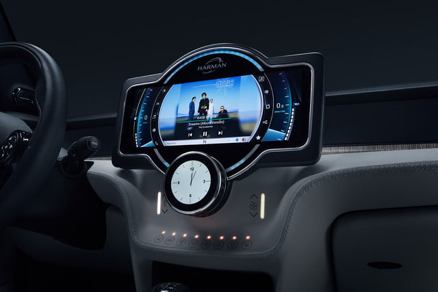 harman anfuture in autonomous driving and car connectivity at ces 2018  samsung reveal future 4