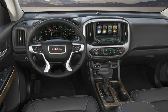 2018 GMC Canyon Denali interior