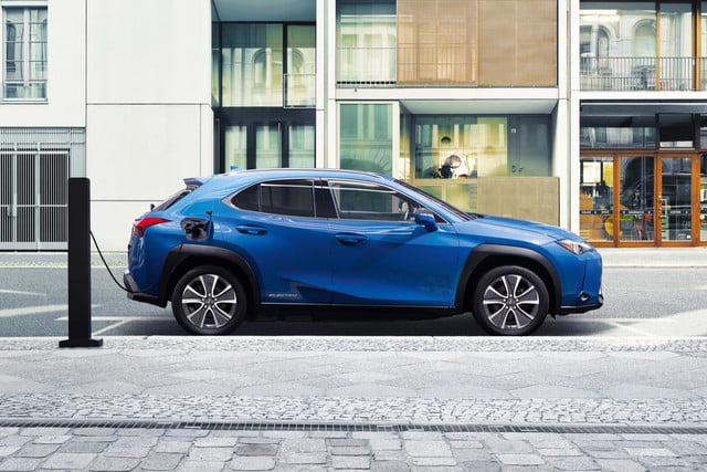 lexus ux 300e electric car unveiled in china