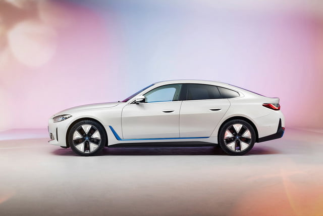 2022 bmw i4 electric sedan unveiled with 530 horsepower