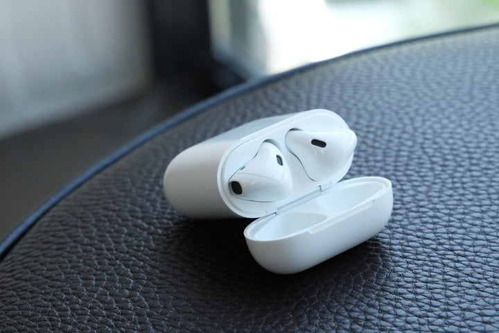 AirPods 2 Charging Case
