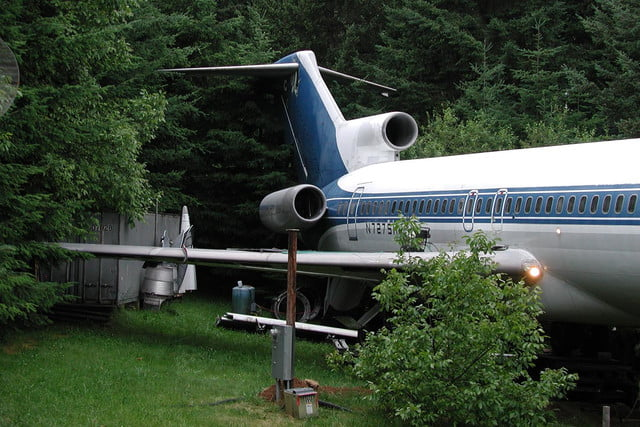 retreat from society and relax in these idyllic cabins around the world airplane home5