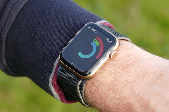 apple watch se review activity rings