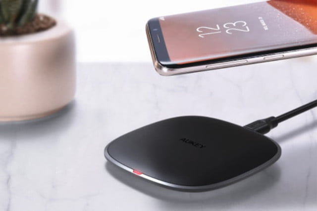 best wireless phone chargers aukey12