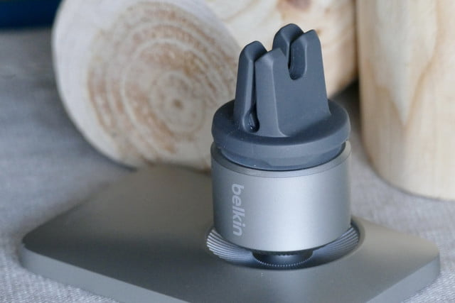 belkin magsafe car vent mount pro hands on features price photos release date grip