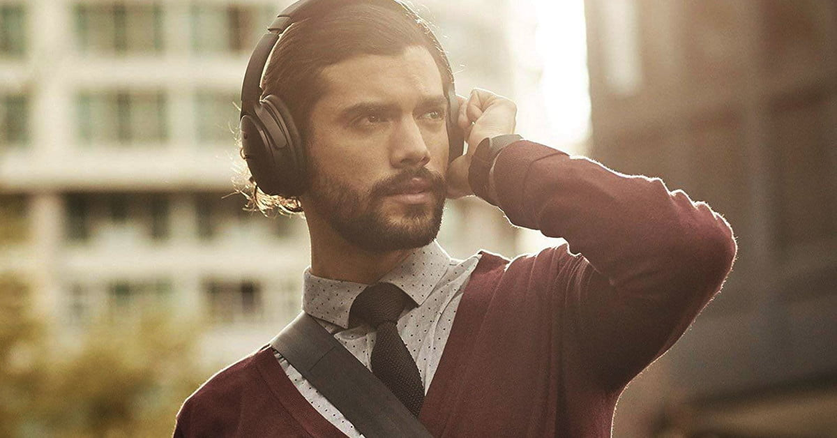 Save $150 on Bose QuietComfort 35 II headphones for Cyber Monday