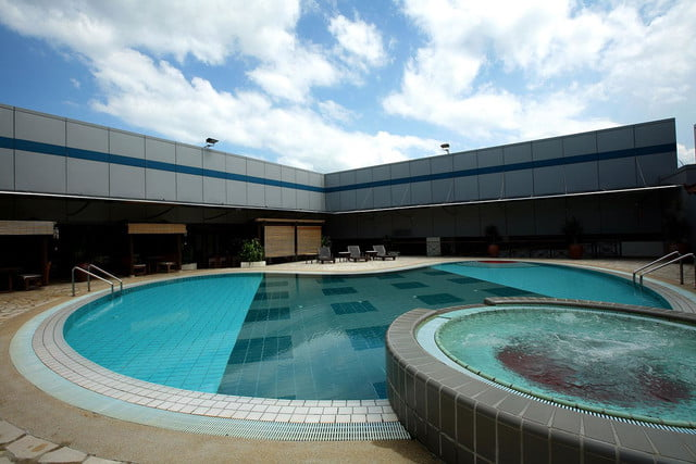 best airports for layovers changi airport swimming pool 2