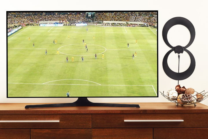 ClearStream Eclipse antenna mounted beside a TV