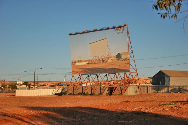 coober pedys residents live in underground dugouts pedy drive