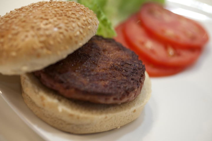 unsurprisingly 300k lab grown burger tastes horrible heres what to eat instead cultured beef