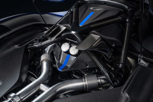 czinger 21c is a 3d printed plug in hybrid hypercar 5