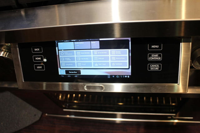 dacors voice activated oven debuts at ces 2015 dacor discovery iq dual fuel range 0251