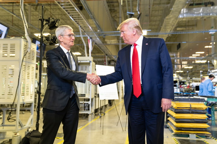 President Trump Tours the Apple Manufacturing Plant