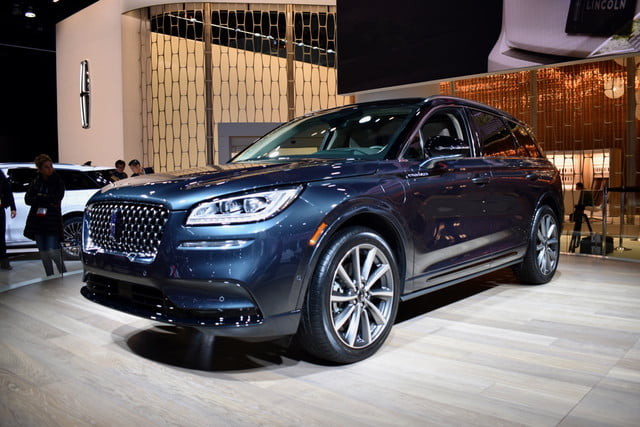 lincoln corsair grand touring plug in hybrid 2019 los angeles auto show