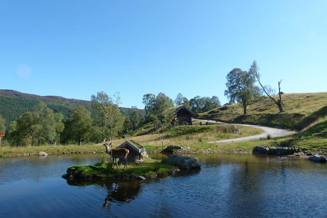 retreat from society and relax in these idyllic cabins around the world eagle brae highland log 12