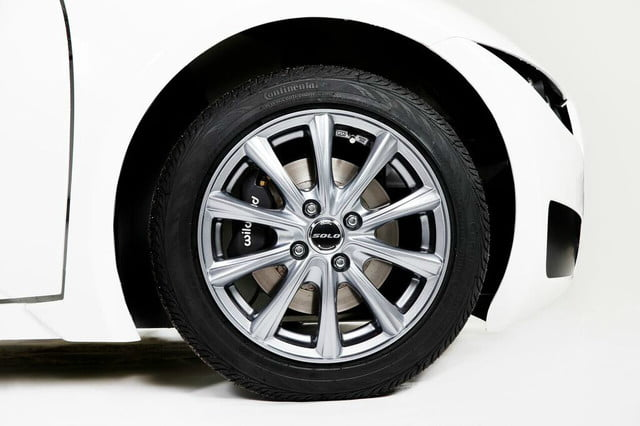 electra meccanica solo unveiled 15 inch wheels