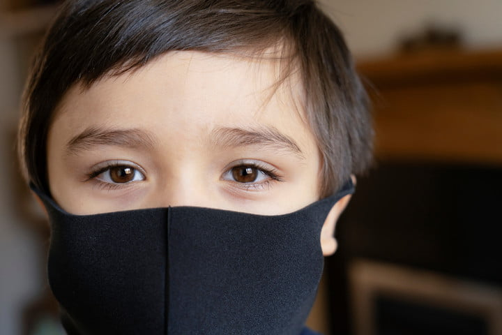 kid wearing face mask
