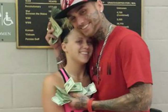 bank robbery suspects arrested after flaunting cash in facebook selfies couple