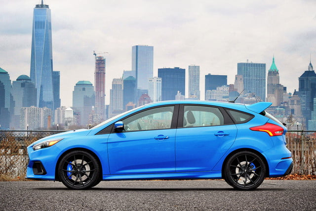 ford focus rs pricing performance specs news focusrs nyskyline 01 hr
