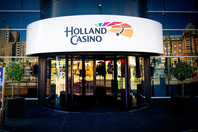 best airports for layovers holland casino schiphol airport