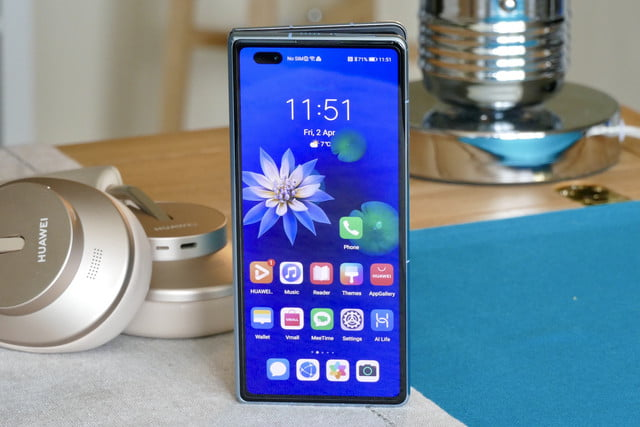 huawei mate x2 hands on features price photos release date screen closed