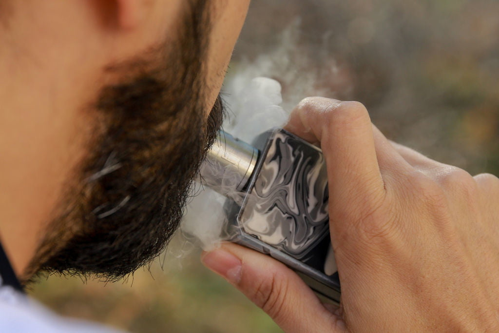 Investigation Of New Diseases Caused By Smoking E-Cigarettes