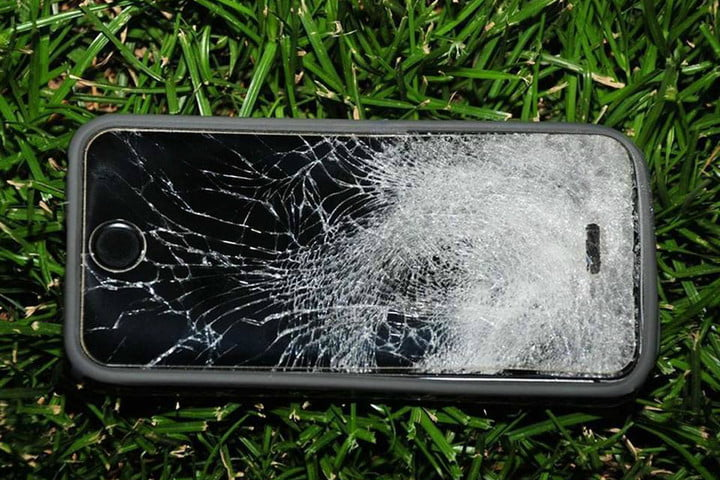 iphone 5s saves fresno state student from getting shot by a robber bullet