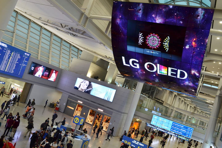 lg flexes its oled muscles with pair of 42 foot tall monster displays display 1