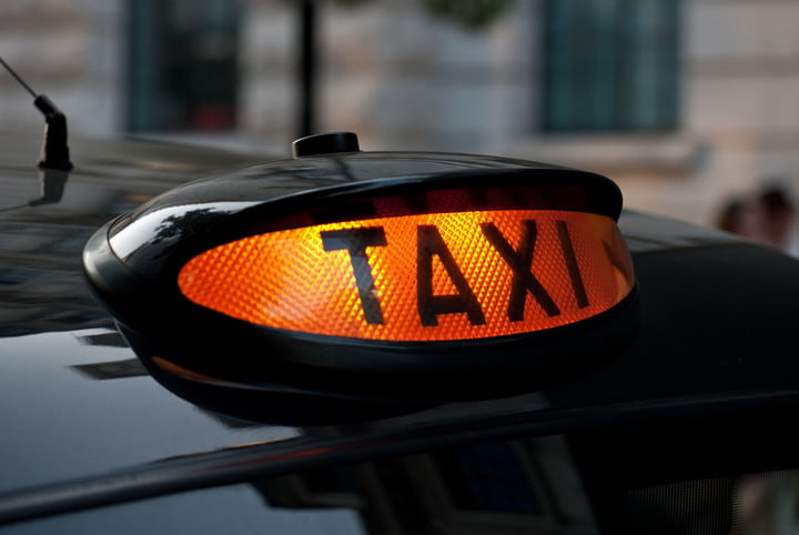 uber london cabbies launch 850k campaign to fund fight black cab
