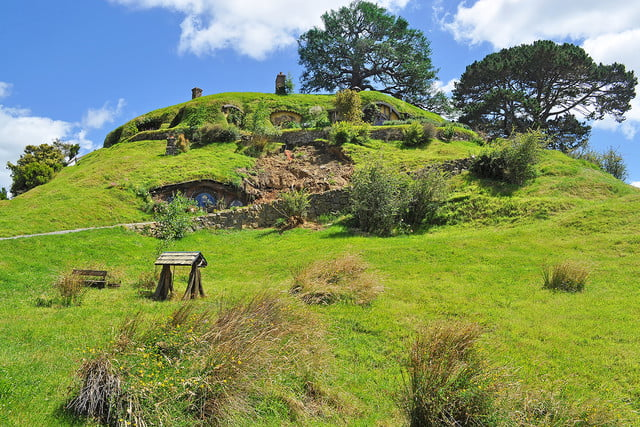 10 famous movie locations you can actually visit lord of the rings new zealand 3
