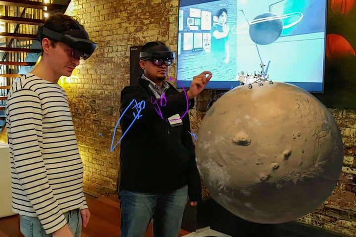 Microsoft-HoloLens-2-hands-on