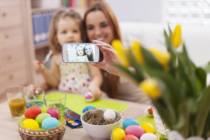 teen sues parents facebook mother and daughter taking self portrait while easter time