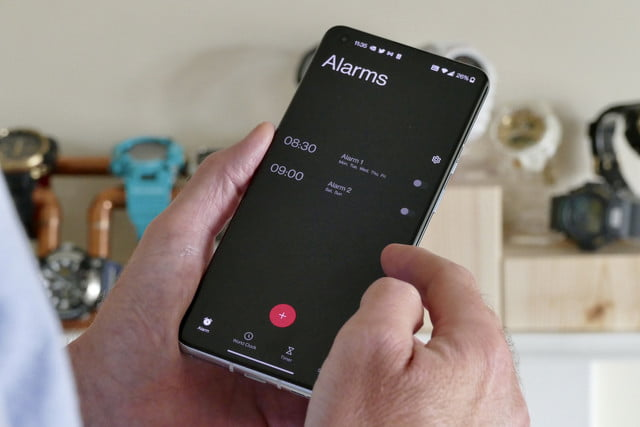 oneplus 9 pro review alarms software