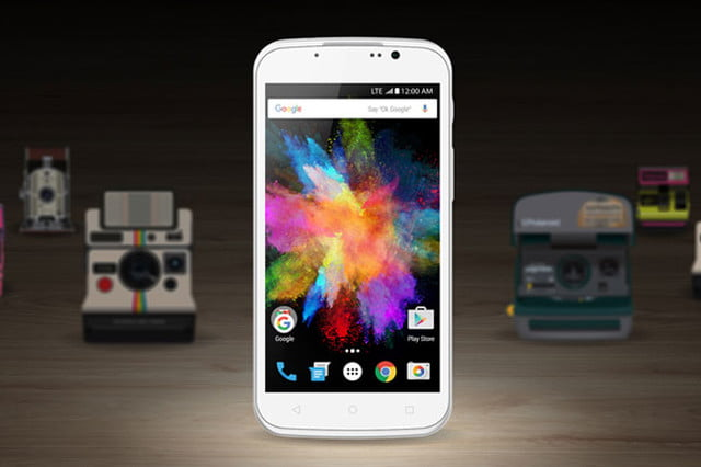 polaroid leaves its comfort zone with the snap and power android smartphones 005