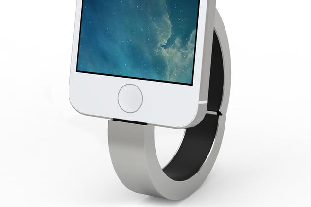 qbracelet wearable battery pack connected iphone