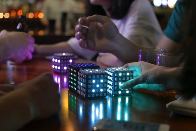 snake playing cube led qcoo in bar  2
