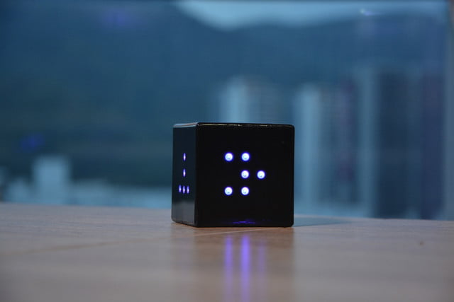 snake playing cube led qcoo on table