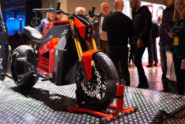 rmk e2 hubless electric motorcycle at show 02  1