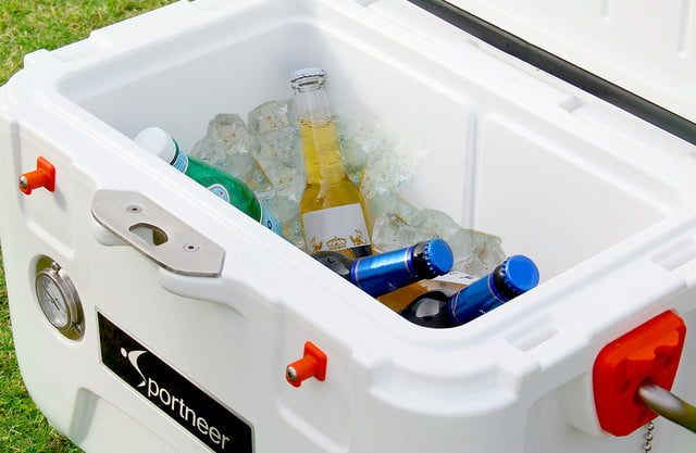 sportneer portable 5 day cooler with a temperature gauge 01