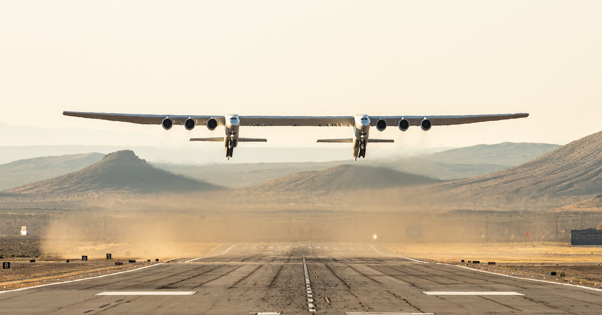 Watch the world's largest plane ace its second test flight
