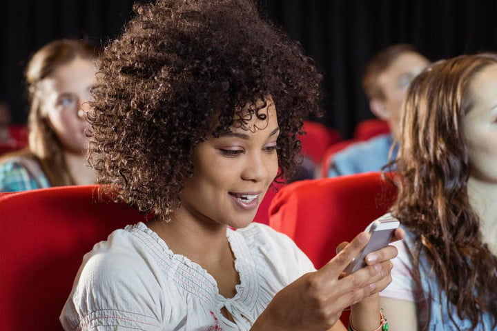amc ceo actually wants to allow texting in movie theaters theater