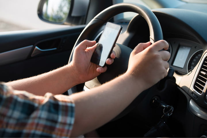 self driving technology smartphones danger texting while