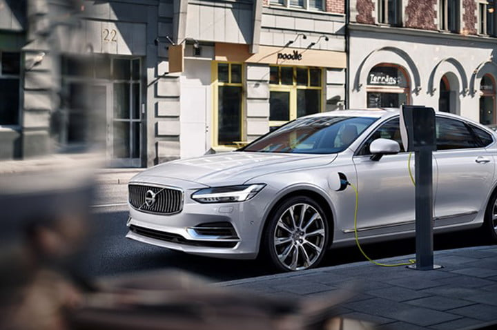 volvo electric cars one million by 2025 twin engine t8 s90 inscription white