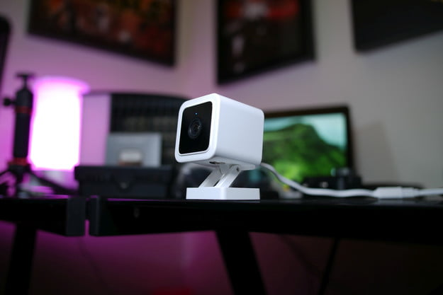 Wyze Cam v3 on table side profile